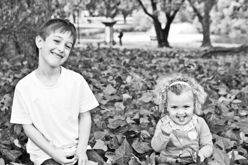 red eclectic family perth family photography 09